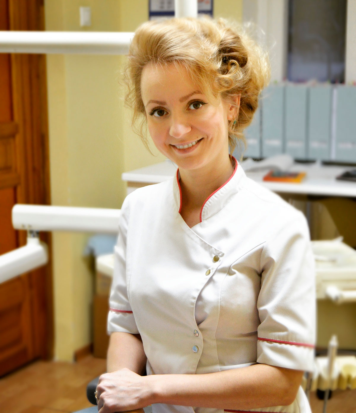 Тюлякова Виктория Игоревна — стоматолог-терапевт, эндодонтист