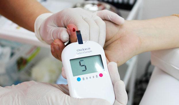 Узнай бесплатно свой уровень сахара в крови и получи скидку на консультацию эндокринолога